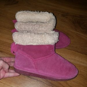 SALE 7 FOR $20 BearPaw Youth Ankle Boots size 4